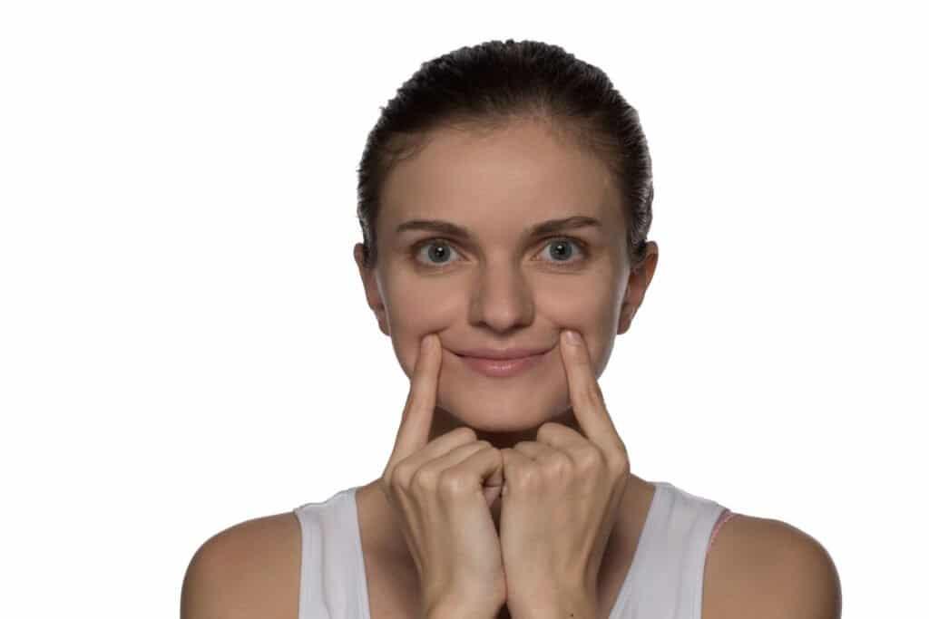Gesichtsyoga, Gesichtsgymnastik, falten reduzieren, falten entfernen, Gesichtsübungen gegen Falten
