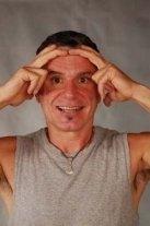 Gesichtsyoga Übung: Stirnglätter