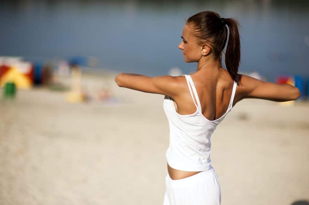 Bewegung hilft, dein Gesichtsfett zu verlieren, um ein schlankeres Gesicht zu erlangen